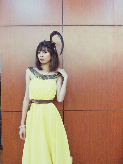 Model Asian  Teen Yellow