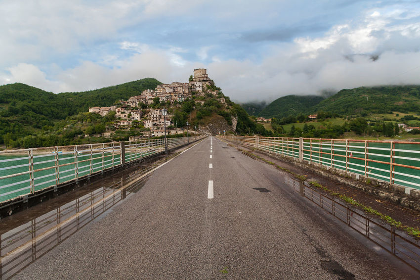 Appennini Castel Di Tora EyeEm Best Shots EyeEm Selects EyeEm Gallery EyeEmNewHere Horizontal Composition Road Architecture Bridge Built Structure Cloud - Sky Day Italy Lago Del Turano Lake Mountains Nature No People Outdoors Rieti Sky