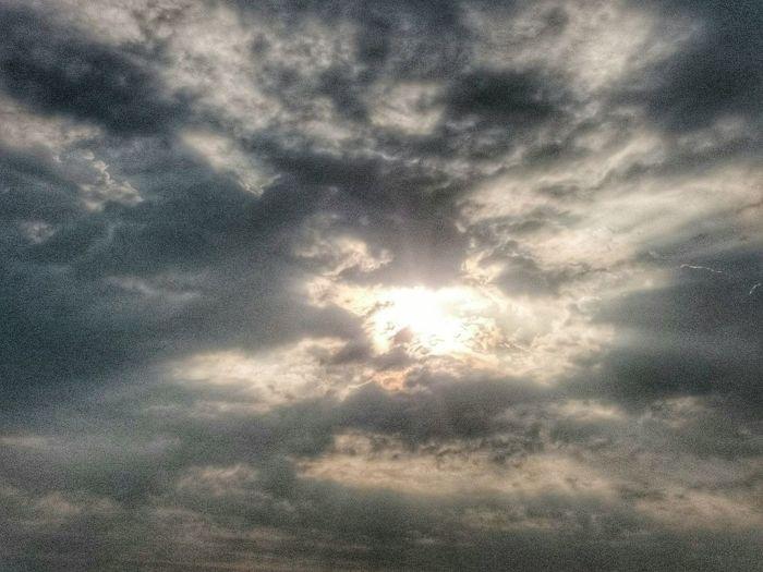 Sunrise Sun Beautiful Sunlight Clouds And Sky Clouds EyeEm Clouds And Sun  Eyeem Clouds Cloudy Sky Beautiful Light Light Of Hope Hope Silverlining Morning Sunshine ☀ Morning Sky Morning Light Good Morning World!