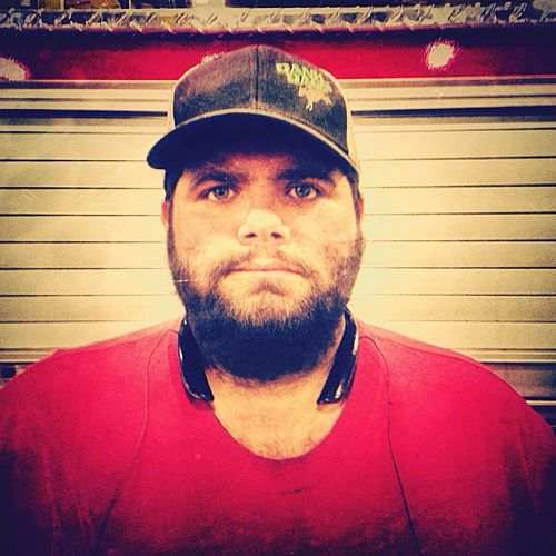 End of Shift One Person Real People Front View Looking At Camera Serious Seriusface Serious Look Seriousness  Hat Man Hat Beard Beardlife