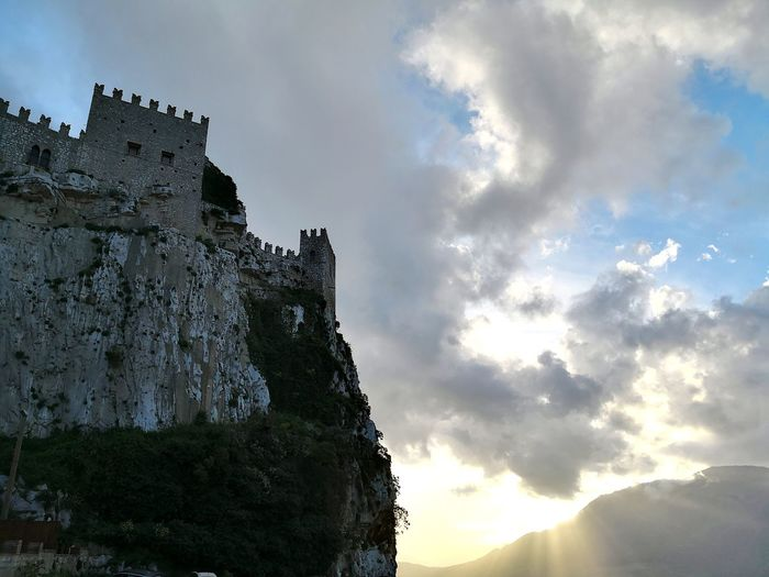 Caccamo castle and wild sky Castle Caccamo Sicily, Italy Sicily Ancient Civilization Old Ruin Ancient History Sculpture Sky Architecture Catholicism Mythology Church King - Royal Person Place Of Worship Civilization Fictional Character Renaissance Royal Person Steeple Castle