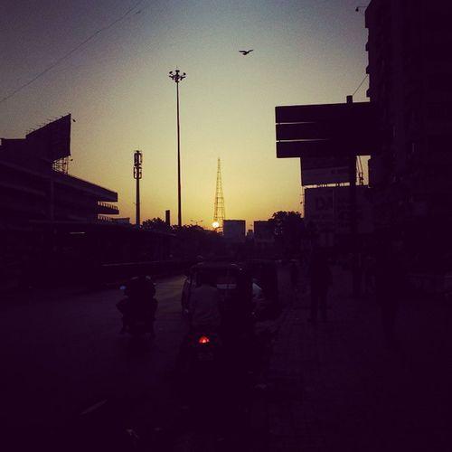 Vscocam Earlymorning  Sunrise Shutterlive IluvBirds AhmedabadíMorning Morningtea @instagram_ahmedabad @shutterlive Razmadeit Xperiat2 Exmor LivingLifeunderthehood Tower Risingsun Pleasentmorning Tgif