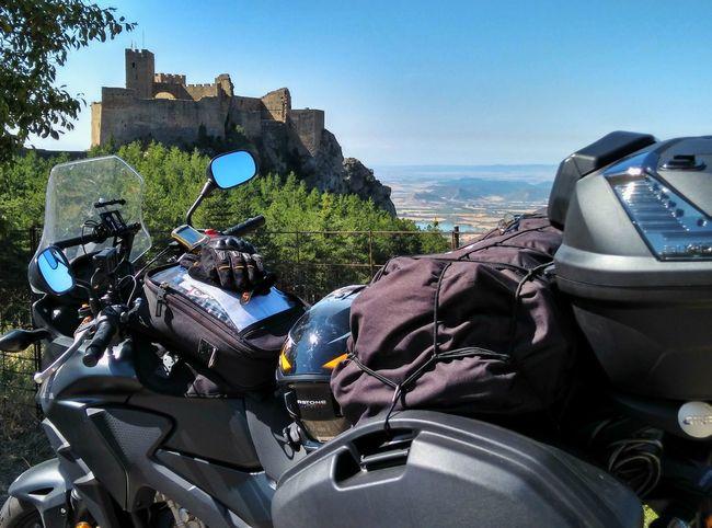 Castillo de Loarre,sg.XI (Huesca) Car Sky
