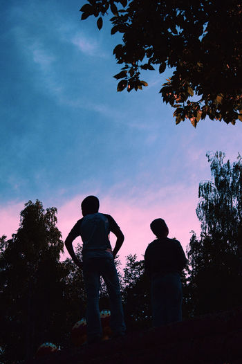 Sky Tree Cloud - Sky Nature Two People Sunset Lifestyles Boys Outdoors Looking At View Leisure Activity People Real People Togetherness