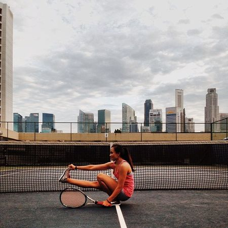 Tennis at MindBody and Passion . And yes pistol everywhere. ✌✌ Pistol Pistolsquat Squat Crossfit exercise fitnessfitfam healthy healthworkouttennissg iamserinawilliamafterweightloss