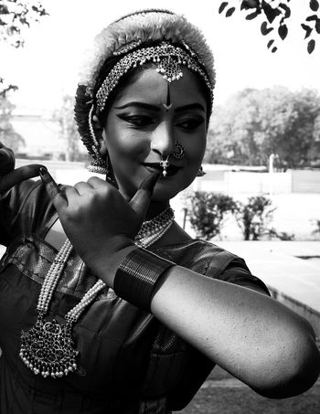 POISE' VSCO Vscocam Igers EyeEm EyeEm Gallery EyeEm Best Shots Canon Canonphotography Monochrome monochrome photography Bnw_captures Telling Stories With Pictures Empowerment  Indian Culture  Classical Bnw Captures Beauty Glamour Young Women