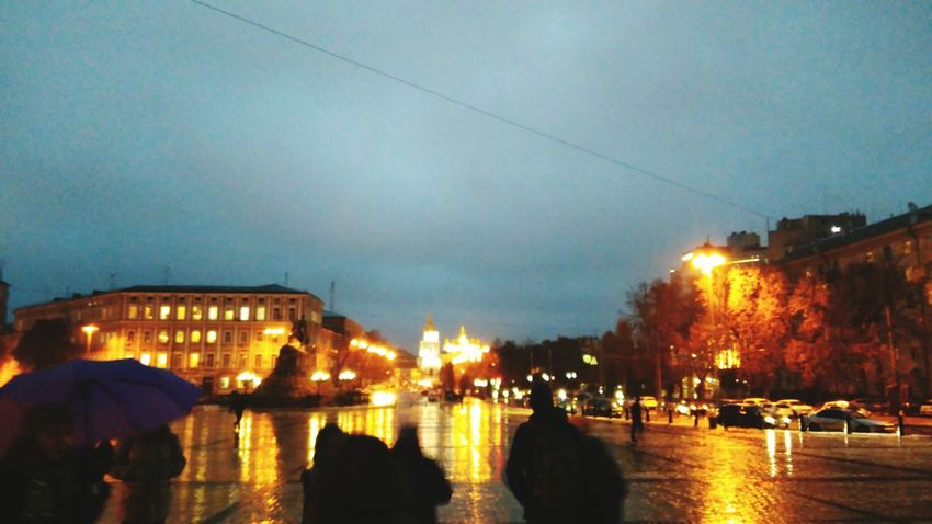 Night Large Group Of People People Winter City Kiev Ukraine Kiev_foto 🌆city🌃 Rainy Days☔ L_kseniyA