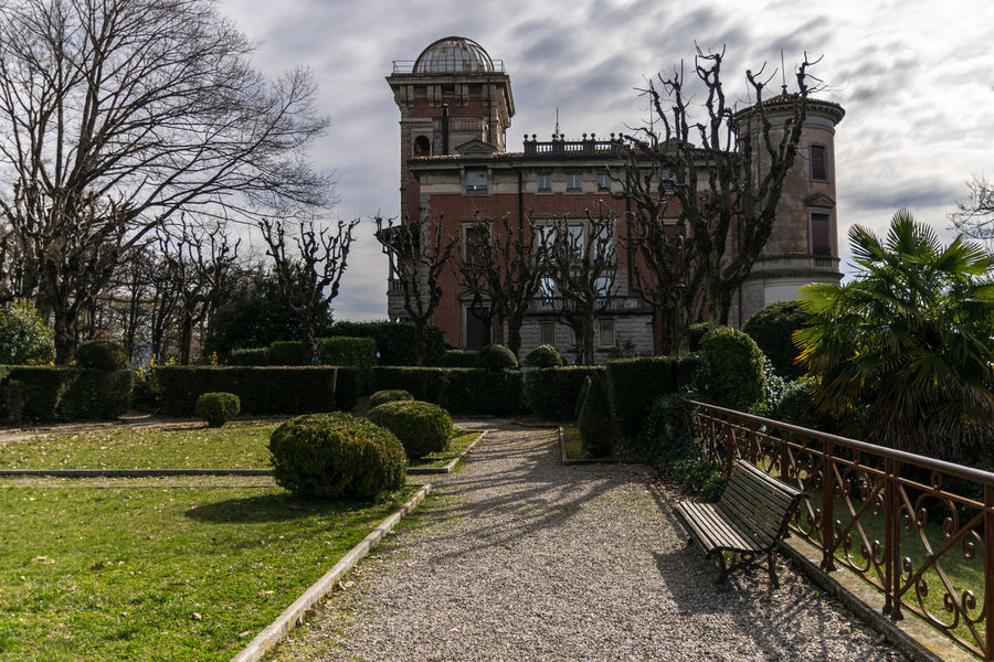Villa Toeplitz a Varese,Lombardia,Italy Architecture Bare Tree Beauty In Nature Building Exterior Built Structure City Cloud - Sky Day Italy Lombardia Nature No People Outdoors Park Sky Travel Destinations Tree Varese Villa