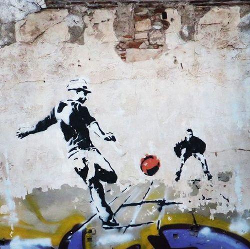 Streetartbcn Streetart Artalcarrer Barcelonastreetart Barcelona Bcnstreetart Bcn Instastreetart Instaphoto Tv_streetart Rsa_graffiti