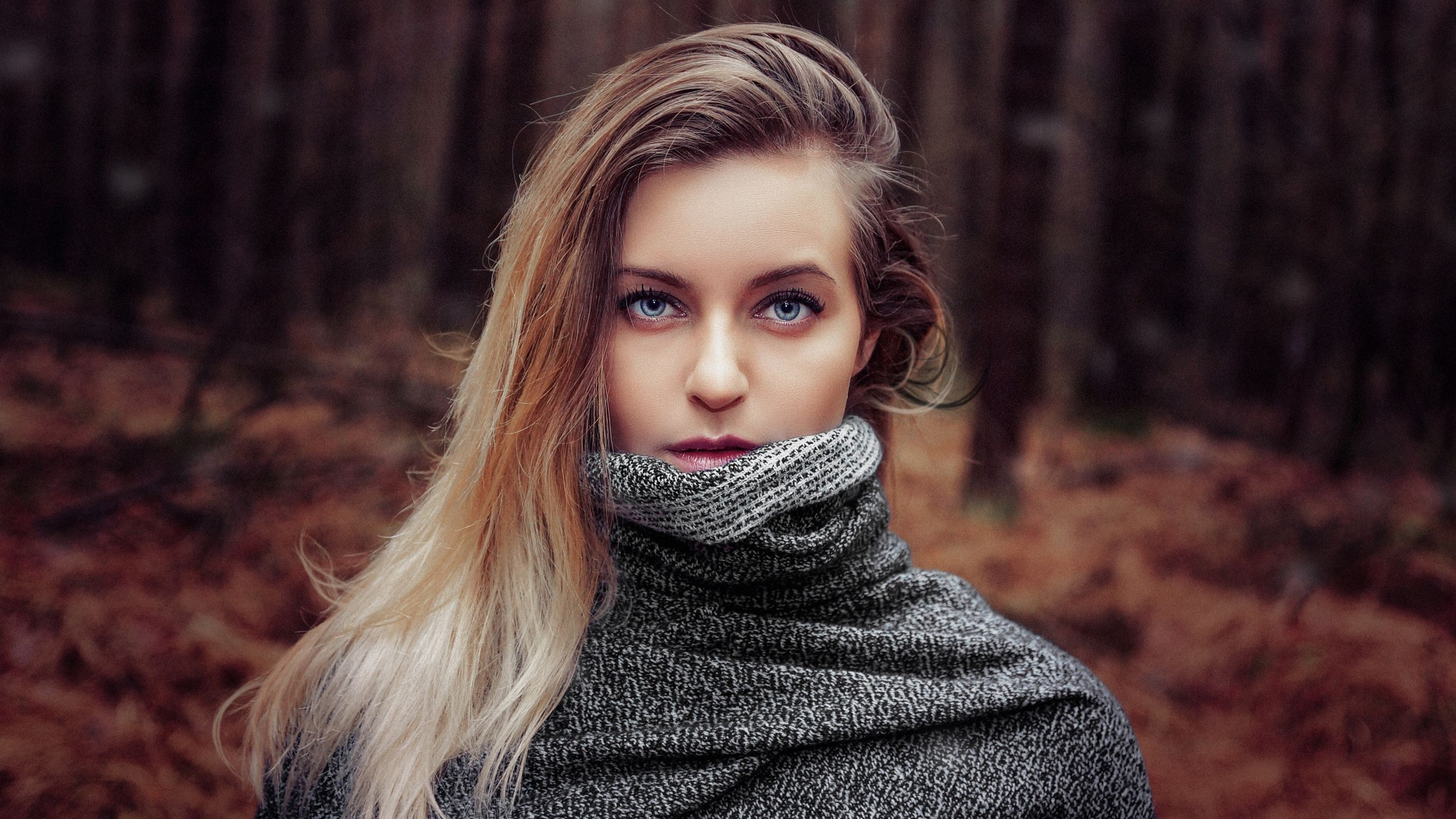 portrait, beautiful people, beauty, fashion, females, looking at camera, headshot, human body part, one person, winter, women, warm clothing, people, beautiful woman, adults only, adult, close-up, young adult, one woman only, only women, outdoors, day