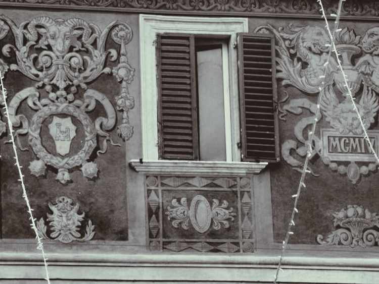 Windows Historic Building Italian Place