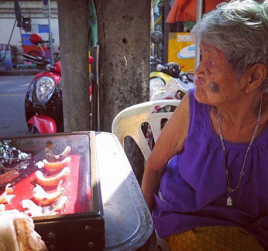 Need Dentures in a hurry? One of the many goods and services available on the streets of Bangkok Thailand Streetphotography Streetphoto Cityscene Peoplewatching Travel Citylife Everydayasia Everydaylife Explorebkk Amazingthailand Oldlady Seeninthecity
