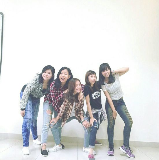 Normal people? It is boring!! Happy People Girls Friendship Friends Cool Girls Ootd Style Bangs Ootdindo Happyness