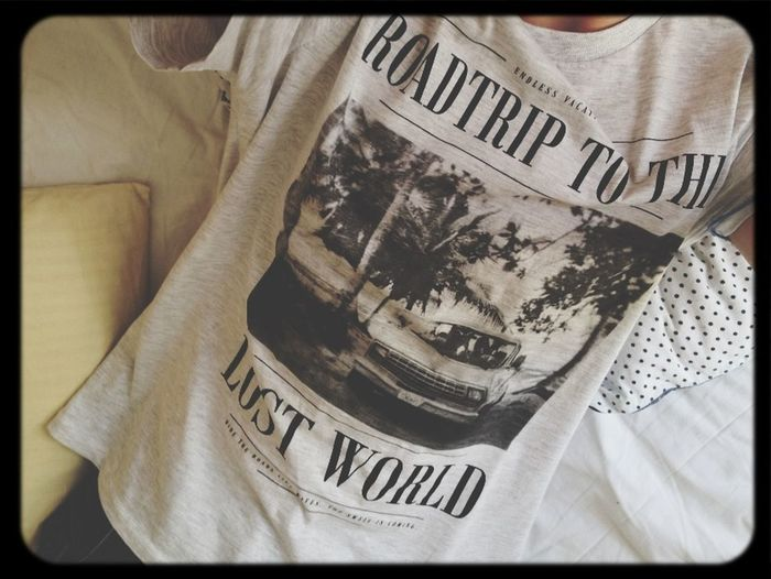 Roadtrip to the lost world Indie Shirt