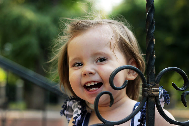 Portrait Childhood Child Headshot Looking At Camera Girls Cute Happiness Real People Hairstyle Outdoors Human Face