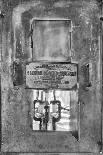 Gaslight Leica Glow Lighthouse Close-up Communication Day Door Ferrol  Fyrtårn Latch Metal Nameplate No People Outdoors Text