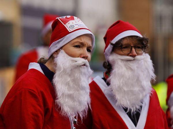 Santas Fun Run Woman From Santa Claus Santas Run Celebration Event Charity Event Flensburger Hafen Christmas Weihnachten 2016 Für Den Guten Zweck Flensburg Germany