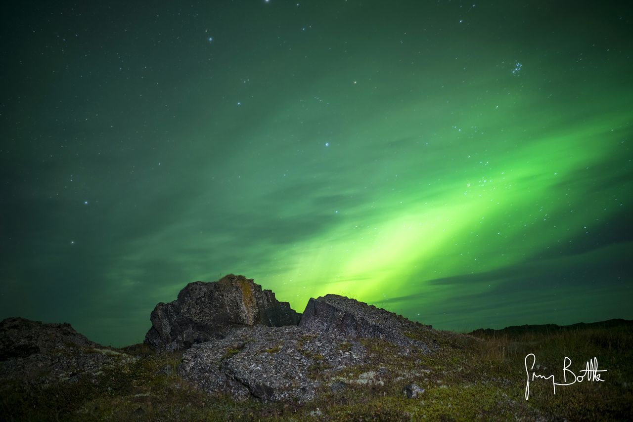night, green color, beauty in nature, nature, star - space, tranquility, scenics, astronomy, tranquil scene, no people, landscape, sky, mountain, outdoors, aurora polaris, illuminated, galaxy, constellation