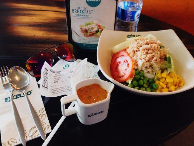 Breakfast Enjoying Life Tuna Salad Great Atmosphere Food Photography