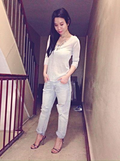 Jimmy Choos and ripped jeans Fashionista Fashion&love&beauty Fashion Street Fashion Shoes ♥ NYC Jimmychoo