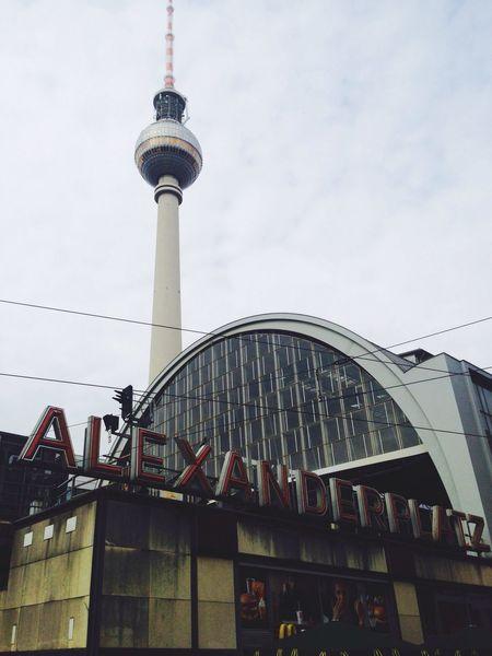 Alexanderplatz Berlin Allemagne Travel Trip Friends Tower