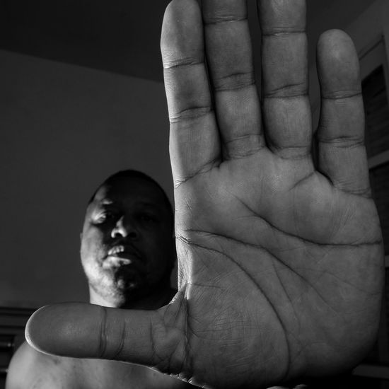 black Blackwhitephotography Black And White Black & White Blackandwhitephotography Human Hand One Person One Man Only Human Body Part Only Men Adults Only Men Close-up Adult People Indoors  Day Sommergefühle