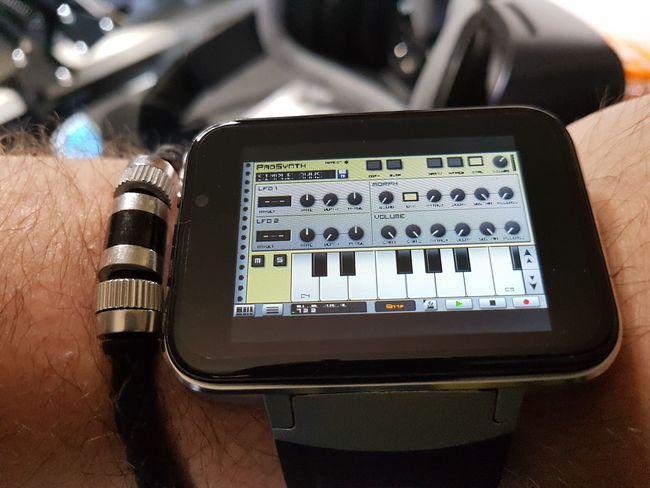 Sythesizer Tablet wrist watch