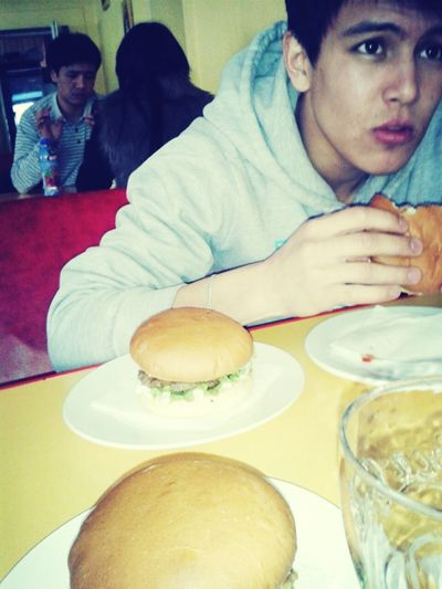 lunchtime) Having Lunch