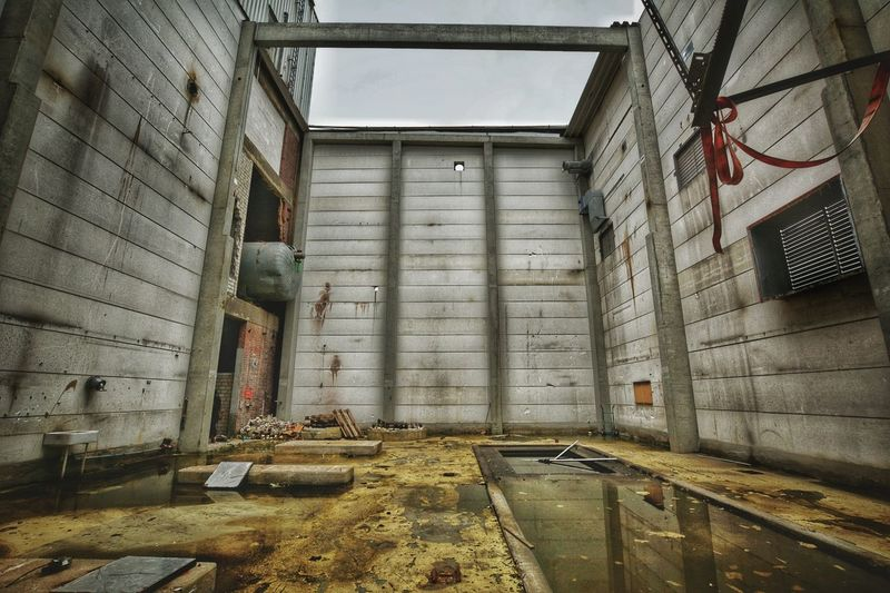Lostplace Faktory Abandoned Factory Low Angle View Water Reflection Architecture Built Structure