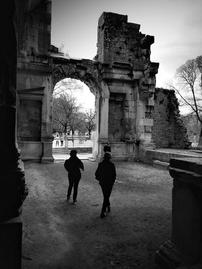 Ruins Bnw_echoes_of_the_past Bnw_friday_eyeemchallenge Architecture Built Structure Building Exterior Real People History The Past Lifestyles