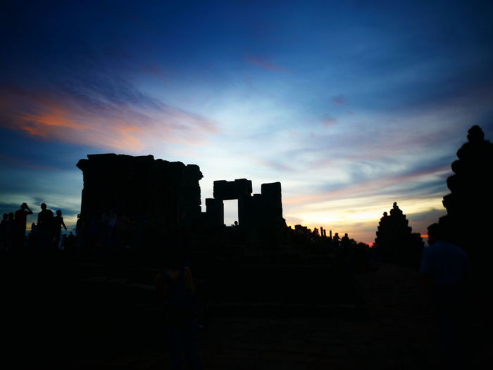 Sunset in cambodiaTravel Architecture Scenics Beauty In Nature History Ancient Civilization Angkor Cambodia Siem Reap Ancient Sky Phnompenh Phnom Bakheng Phnom Bakheng Temple Phnom Bakheng Sunset EyeEmNewHere Lost In The Landscape