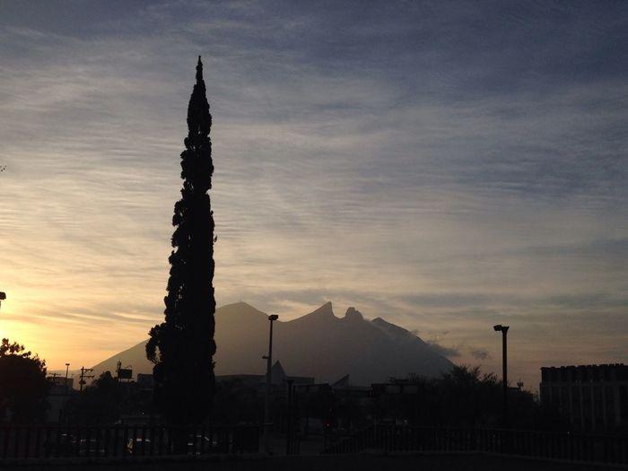 Amanecer Cerro De La Silla Amanecer En Mi Ciudad Tammyherz Monterrey Ciudad PAISAJE URBANO