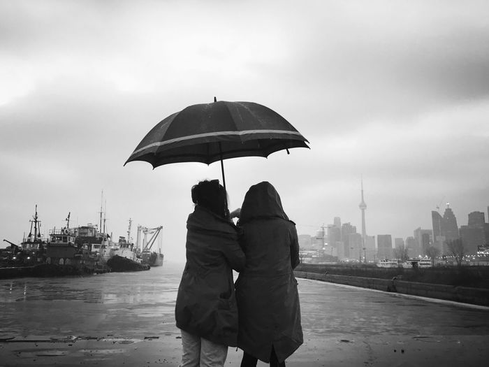 Misty moment in a morning rainy day. Overseeing the Toronto skyline by the docks Check This Out Hello World Relaxing Enjoying Life Street Photography Street Urban Toronto Moment Blackandwhite Black And White Black And White Photography EyeEmNewHere