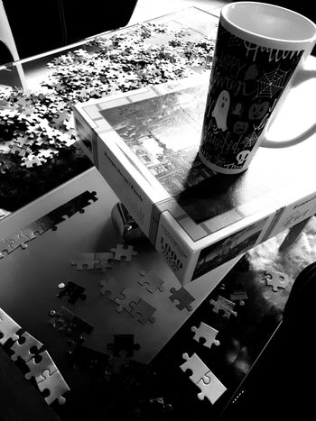 puzzle Puzzle  Ponché Rompecabezas Praga Indoors  No People Day Close-up
