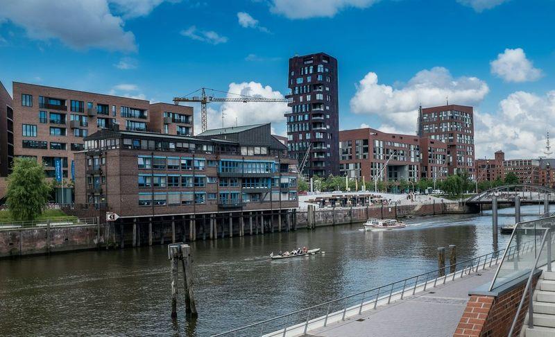 Rowing Boat in Hamburg Hafencity Rowingboat Rowing Cityscape Cityscapes Hamburg Elbe Waterway Blue Sky