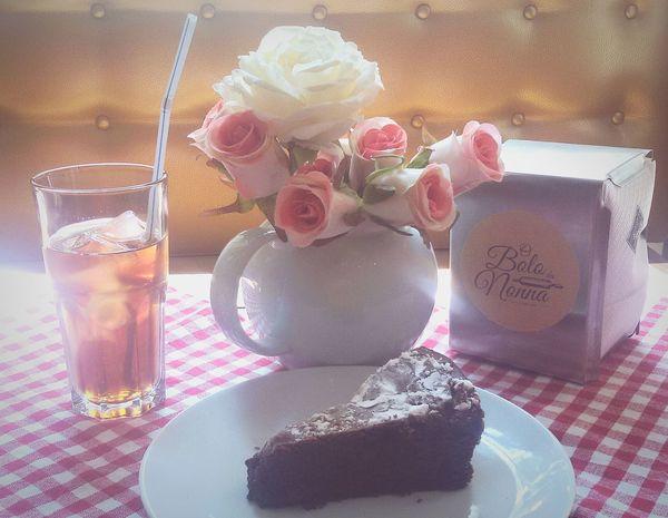 Chocolate Cake SoSweet SoDelicious Food Lanche Flowers Tea