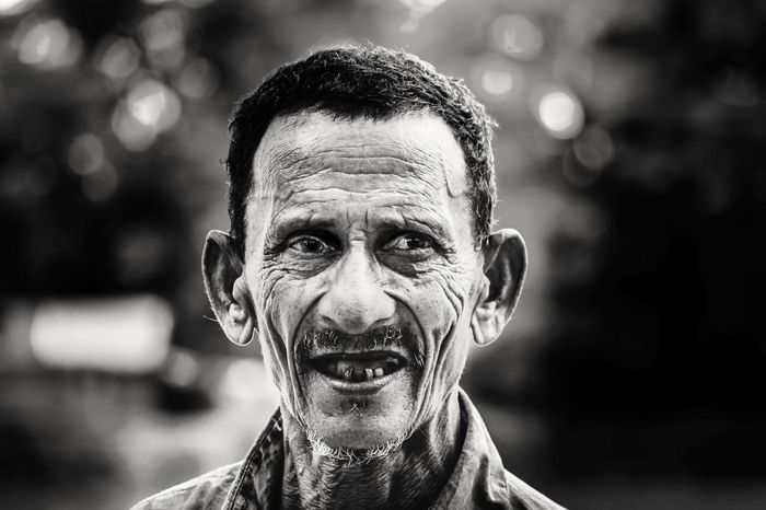 Black & White Portrait of an stranger with strange look. Taking Photos Portrait Man Eyes Black And White Blackandwhite Faces Of EyeEm Faces Of Summer Faces Face EyeEm Best Shots Eye4photography