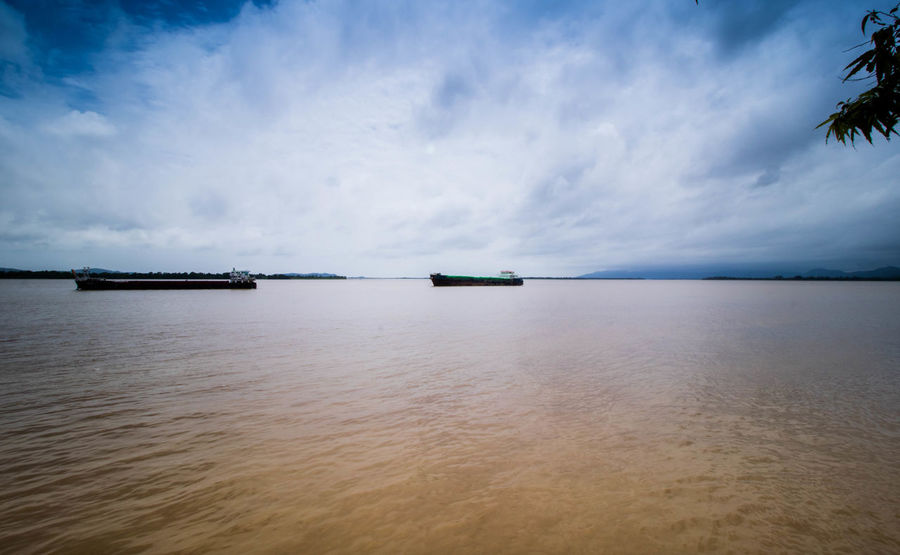 Boat Mawlamyine Nature River Sky Thanlwin \ Water
