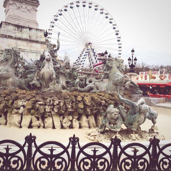 Place des Quinconces ~ 33000 ! Colonne Des Girondins OpenEdit Saturdayafternoon  Streetphotography Lagranderoue Streetart