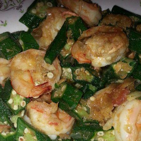 Sambal tumis Ladyfingers with Shrimps Vegetable homemade food dinner