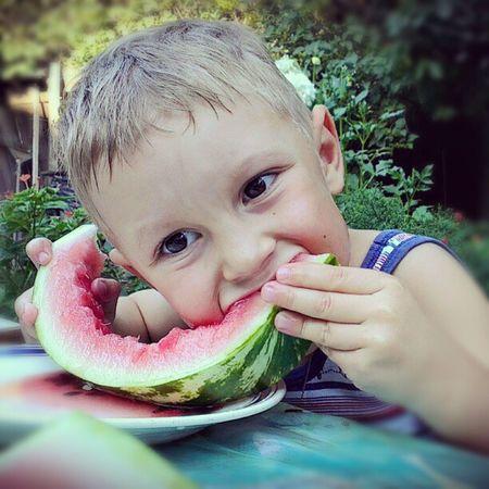 Арбуз ребенок вкусно Еда Watermelon Children Tasty Food Varichev