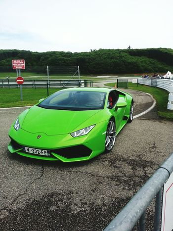 France Self Portrait Snapchat Green Green Green!  Vitesse Sport Cars Puissance Lamborghini Lamborghini Huracan Conduite