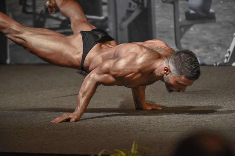 Muscular Build Athlete Sport The Human Body Sports Training Strength Exercising Indoors  Human Body Part Competition Fitness Training Bodybuilding Motivation Muscleandhealth Culturist Culturismo Culturisme Bodybuild Bodybulding Bodybuildingmotivation BodyBuilder Bodybuilding Body & Fitness Sportsman Fitness Sports Photography