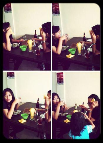rumah makan batak :-D wkwk @amandadamanik @natasya_vipelf :-P
