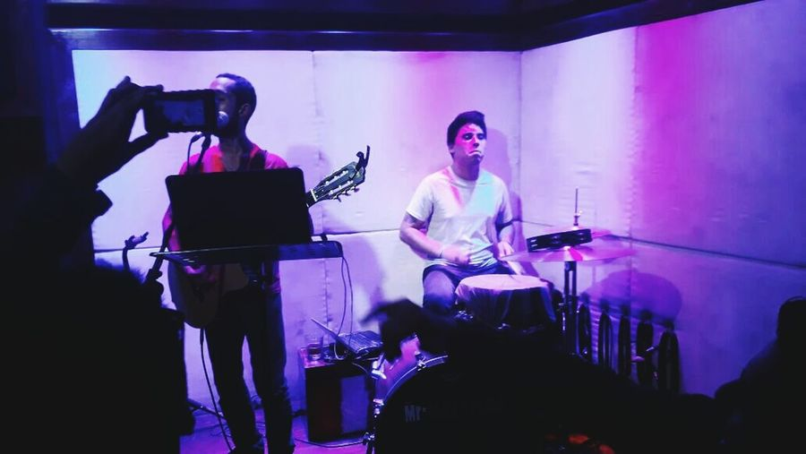 La Lluvia La Lluvia Acustic  Band Music Musician Performance Performance Group People