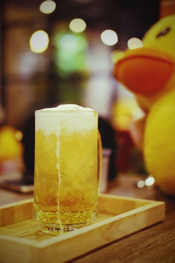 Drinking Glass Beer - Alcohol Beer Glass Drink Refreshment Frothy Drink Alcohol Cold Temperature Bar - Drink Establishment Food And Drink Freshness Table Pint Glass Indoors  Caramel Beer Nontaburi Thailand Bokeh