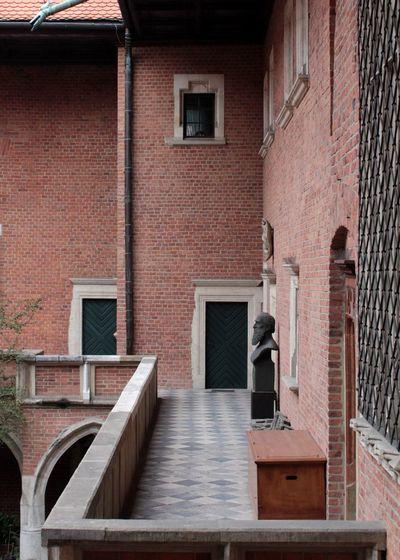 Windows Doors Balcony Historic Historical Building Statue Marble Exterior Red Brick Red Brick Wall Tiles Textured  Window Architecture Building Exterior Built Structure Brick Wall Brick
