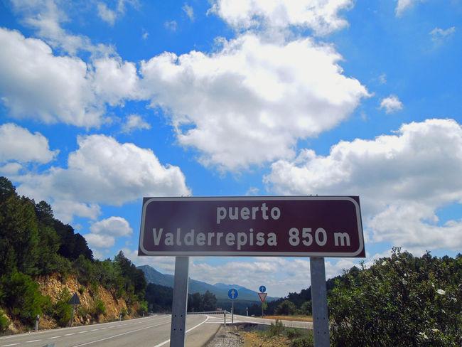 Mit dem Fahrrad unterwegs nach Gibraltar Andalucía Andalucía Nature Blue Cloud Cloud - Sky Cloudy Information Sign Landscape Nature No People Pole Road Road Sign Sky SPAIN Travel Photography Western Script