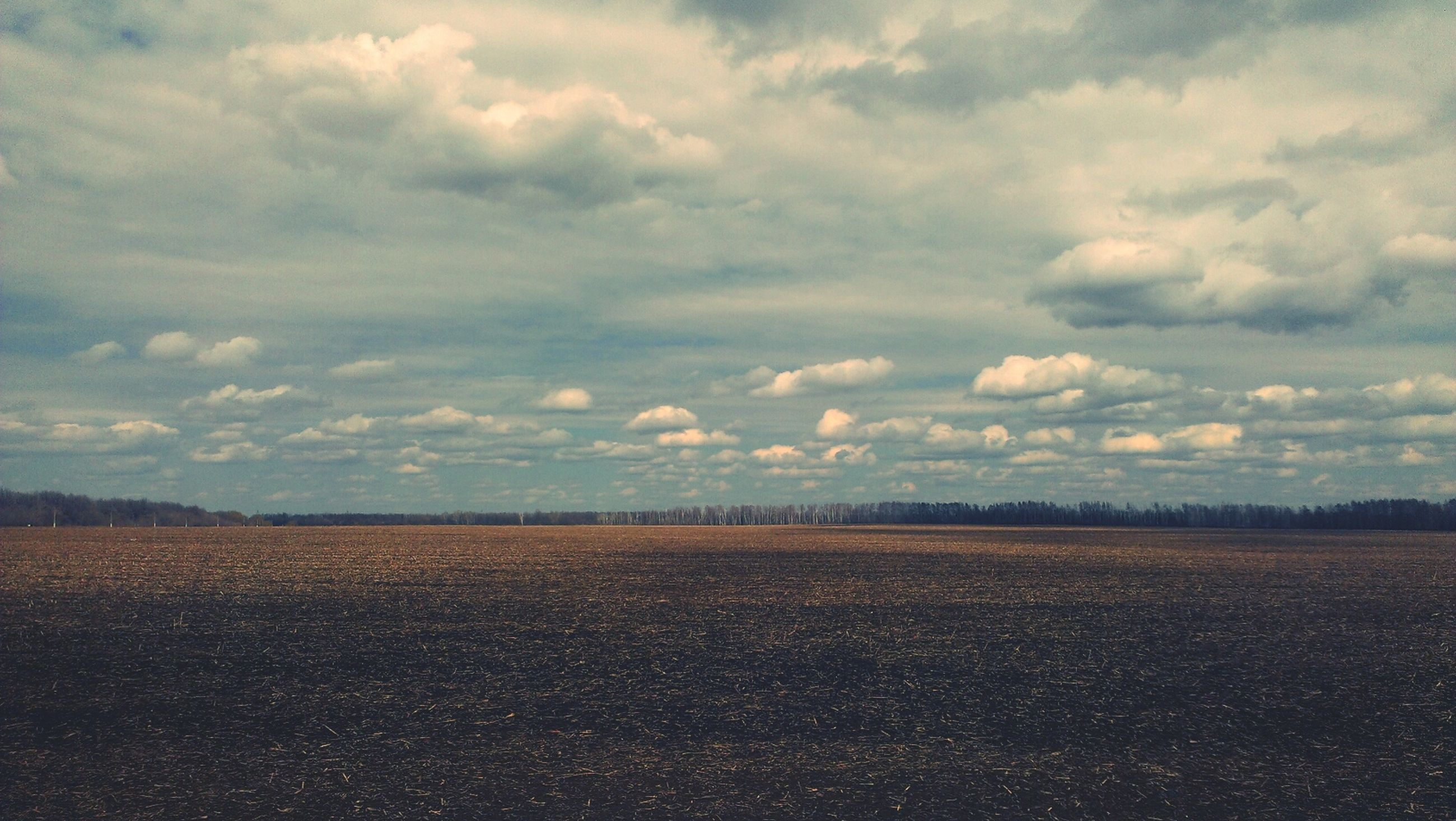landscape, sky, tranquil scene, tranquility, cloud - sky, scenics, field, beauty in nature, rural scene, cloudy, horizon over land, nature, agriculture, cloud, farm, remote, non-urban scene, idyllic, outdoors, no people