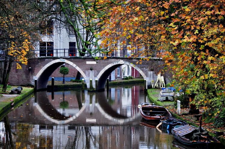 Amsterdam Amsterdamcity Fall Colors Autumn Colors Otoño Canals Canals And Waterways Reflection_collection Fall Beauty Reflections In The Water Reflection Holanda Netherlands